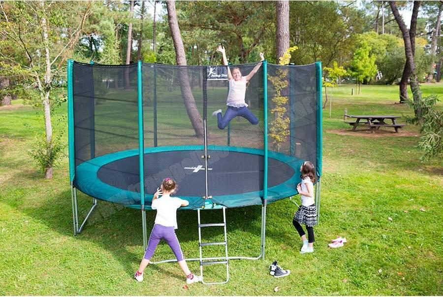 toys-r-us-trampoline.jpg
