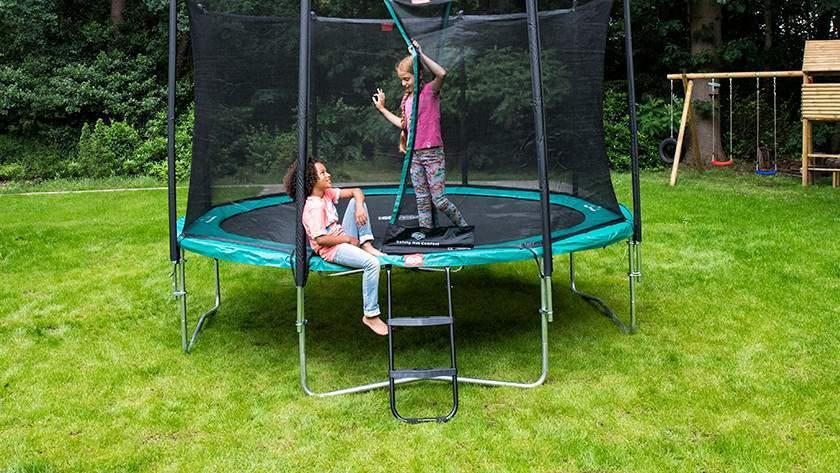 trampoline-cora_1.jpg