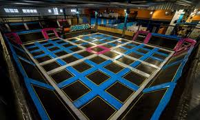 trampoline park lyon topflex. Black Bedroom Furniture Sets. Home Design Ideas